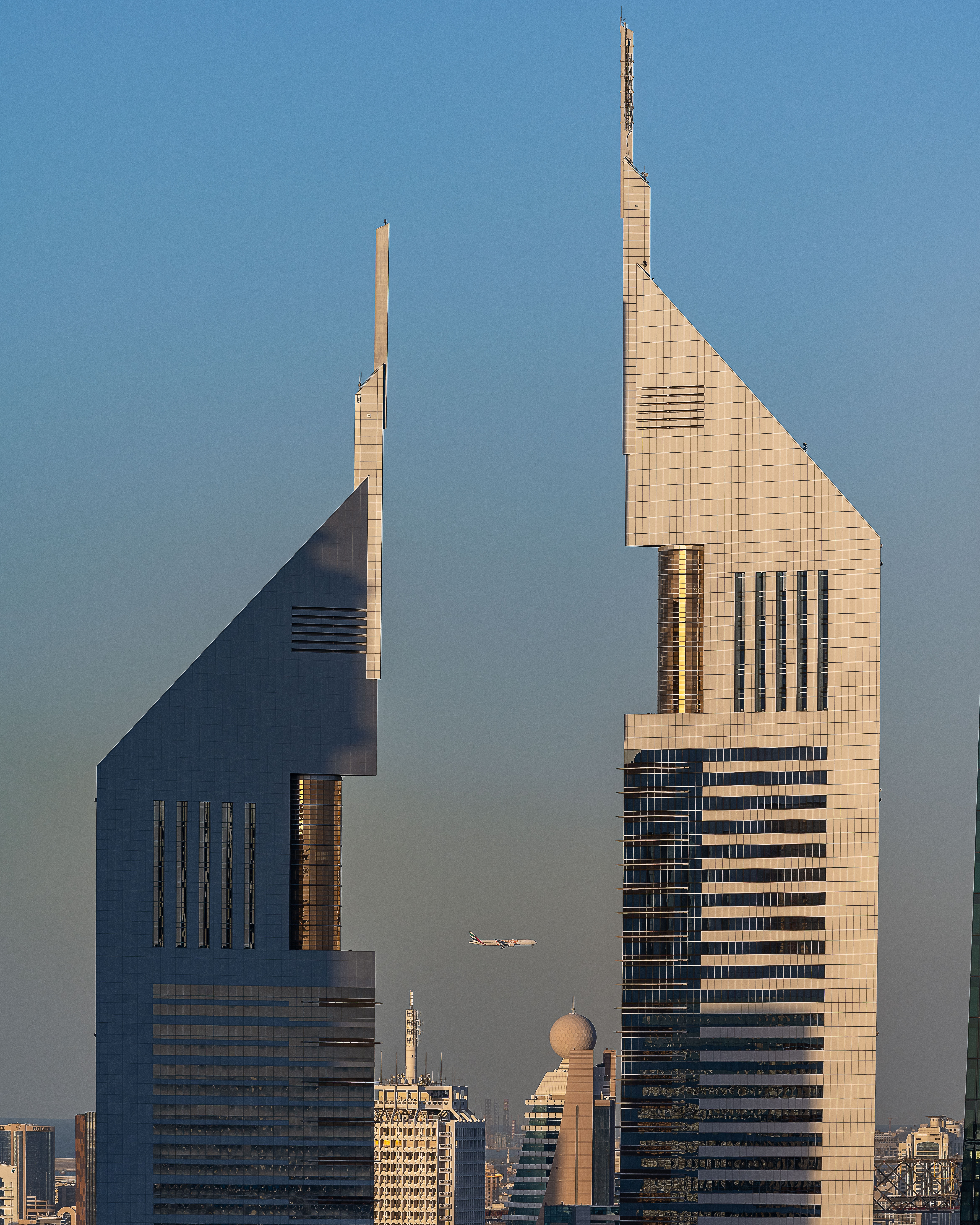 Capturing the Emirates planes between Emirates Towers