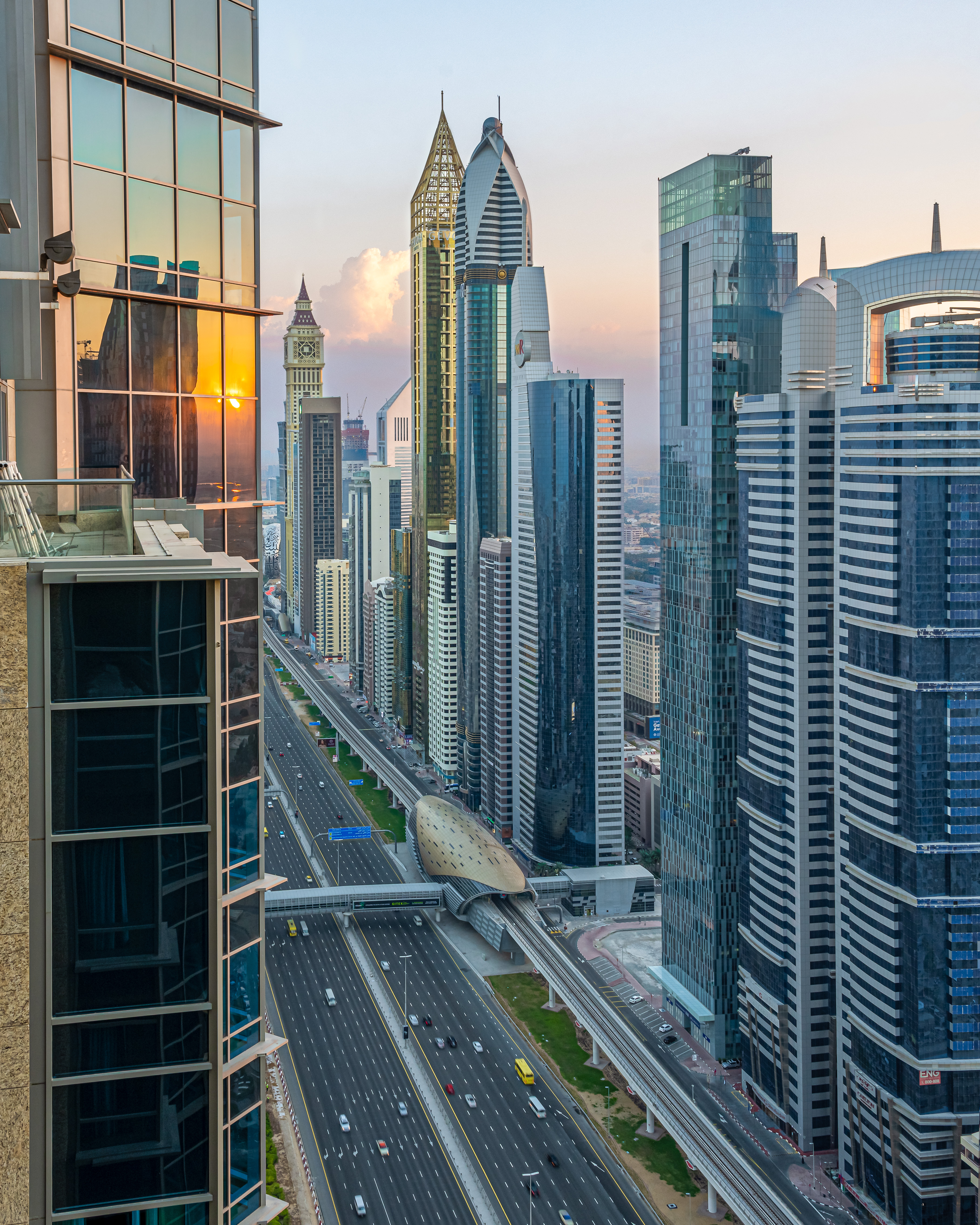 Looking North up Sheikh Zayed Rd from Shangri-La